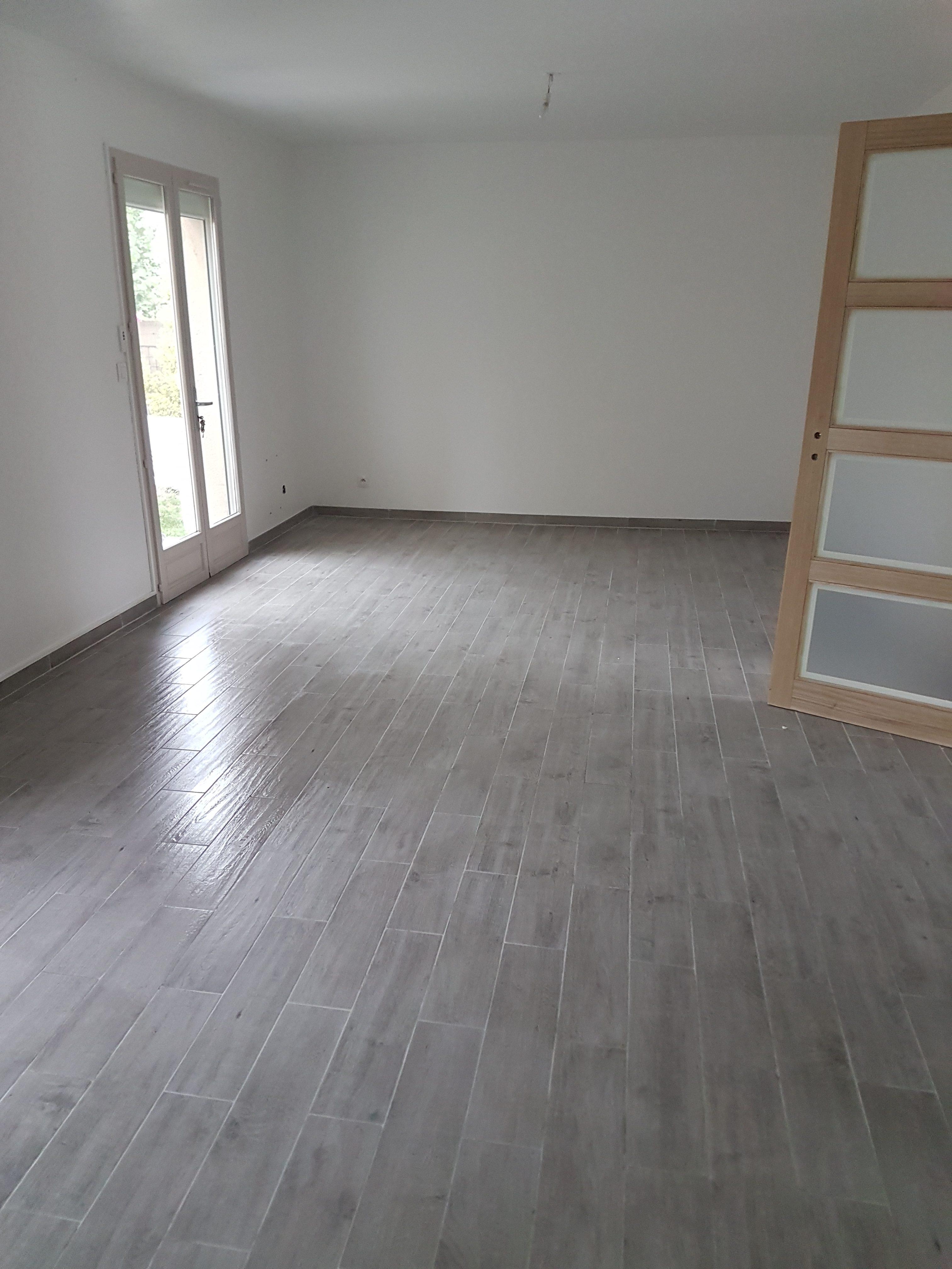 R novation sol salon carrelage imitation parquet - Renovation carrelage sol ...